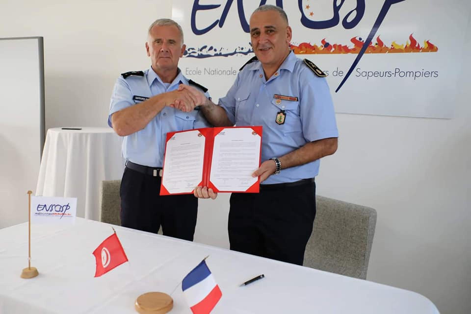 Signature d'un PV entre le directeur de l'ENPC et le directeur de l'ENSOSP